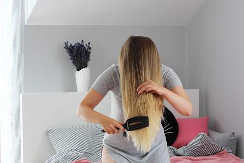 Jak prawidłowo szczotkować włosy? - czytaj dalej »