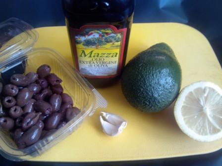 avocado masline si usturoi