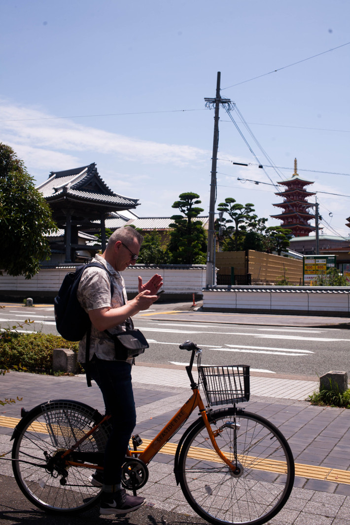 Fukuoka travel guide: renting a bike