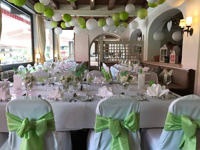 Hochzeit im Seehaus, Sommerhochzeit in den Bergen von Garmisch-Partenkirchen, Riessersee Hotel ihr Hochzeitshotel in Bayern, Apfelgrün und Weiß, Hochzeitsplanerin Uschi Glas