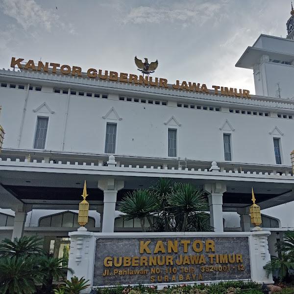 Blusukan Kantor Gubernur Jawa Timur