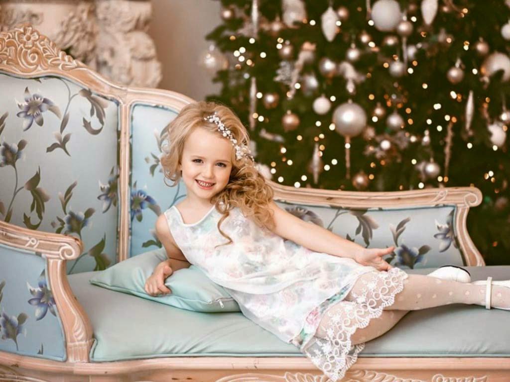 Bebek-in-cristmas-queen-look-hd-görüntü