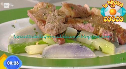 Insalata di patate ed asparagi con tagliata di chianina ricetta Bongiovanni da Prova del Cuoco