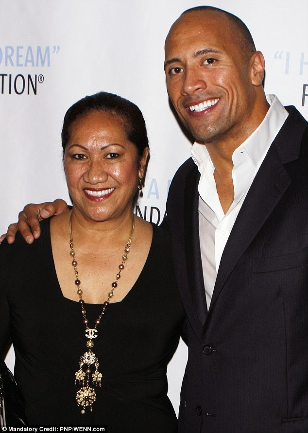 Birthday Mama Rock Dwayne Johnson With His Mother