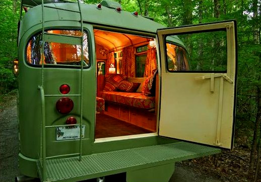 the flying tortoise a tiny bus converted into a beautiful motorhome. Black Bedroom Furniture Sets. Home Design Ideas