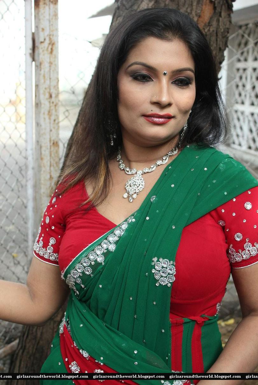 Item Actress Mumtaz Hot In Saree Stills
