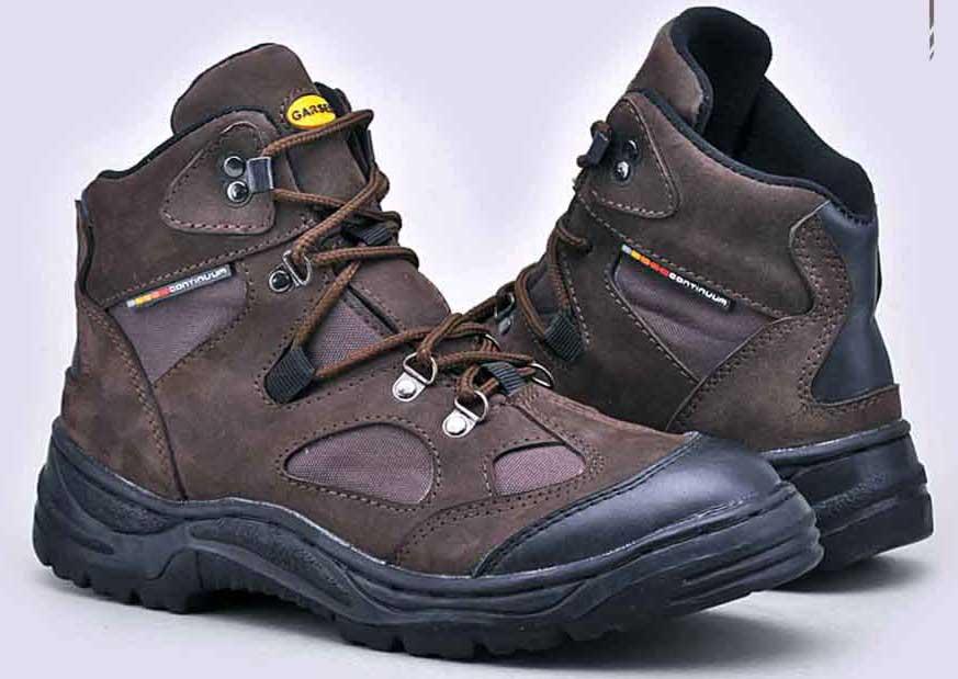 Pilih sepatu bahan sintetis