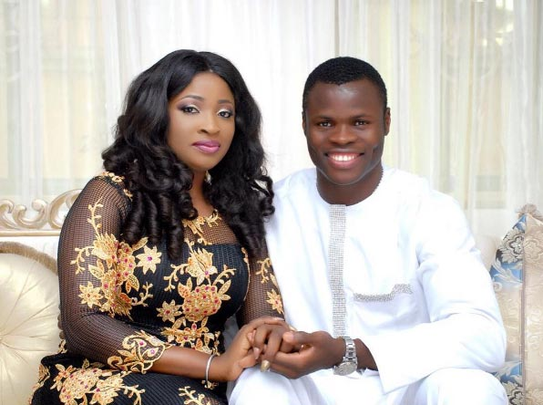 Taye Taiwo eulogizes wife as they celebrate 12th year of marriage