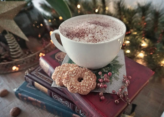 Cosy post, winter, christmas, festive period, seasonal fun, hibernate, fun things, snuggle up, movies, treats, cold weather activitites, lifestyle.17