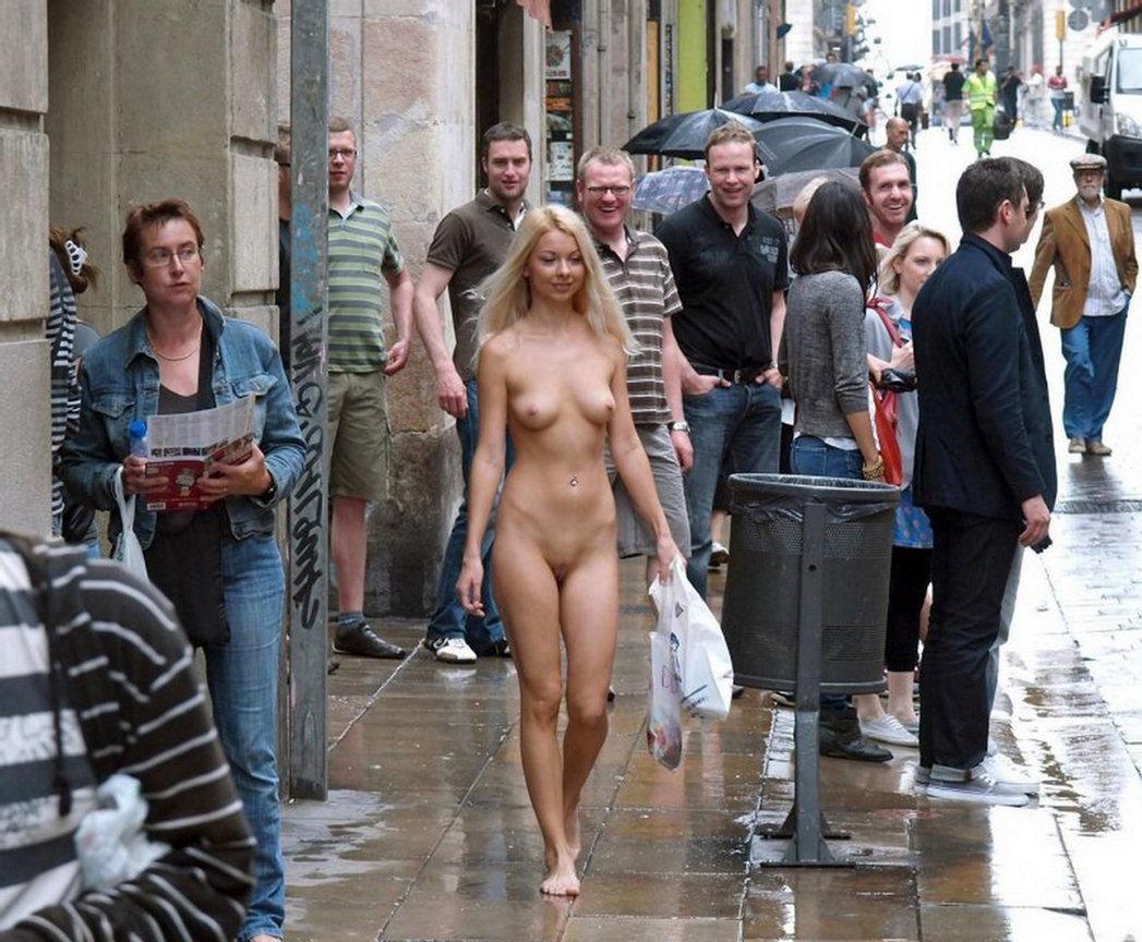 Girls strip in public 4