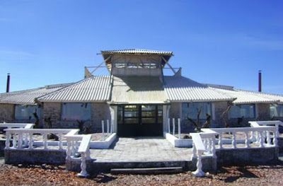 hotel dibuat dari garam