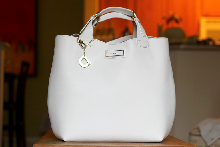 white purses, white leather bag, DKNY purse, bucket bags
