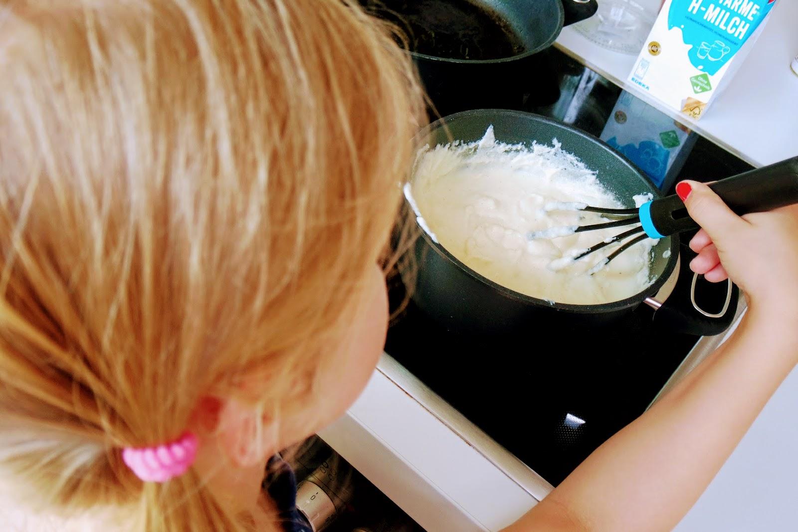 Grießbrei Rezept Klassisch pamelopee kochen für kinder grießbrei mit himbeerpüree klassisch