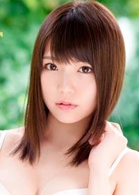 Actress Riona Mana