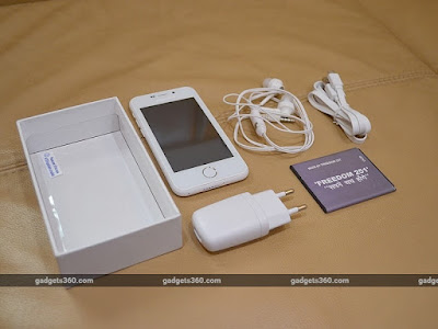 Freedom 251 box contents