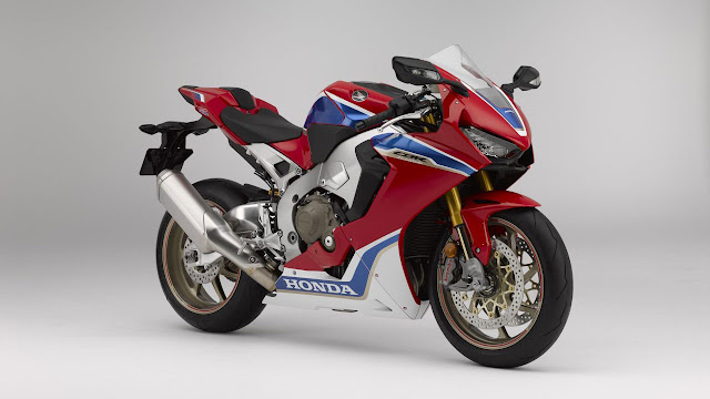 Nicky Hayden and Freddy Foray unveil 2017 Honda CBR1000RR Fireblade