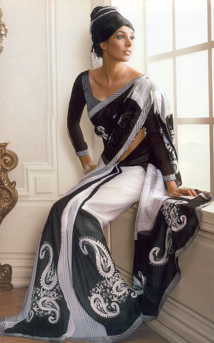 Fashionable Saree Blouse Sleeves Design