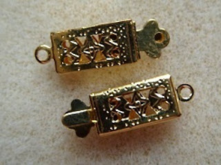 small gold plated clasp