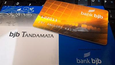 Foto Buku tabungan Tandamata dan ATM Bank BJB.