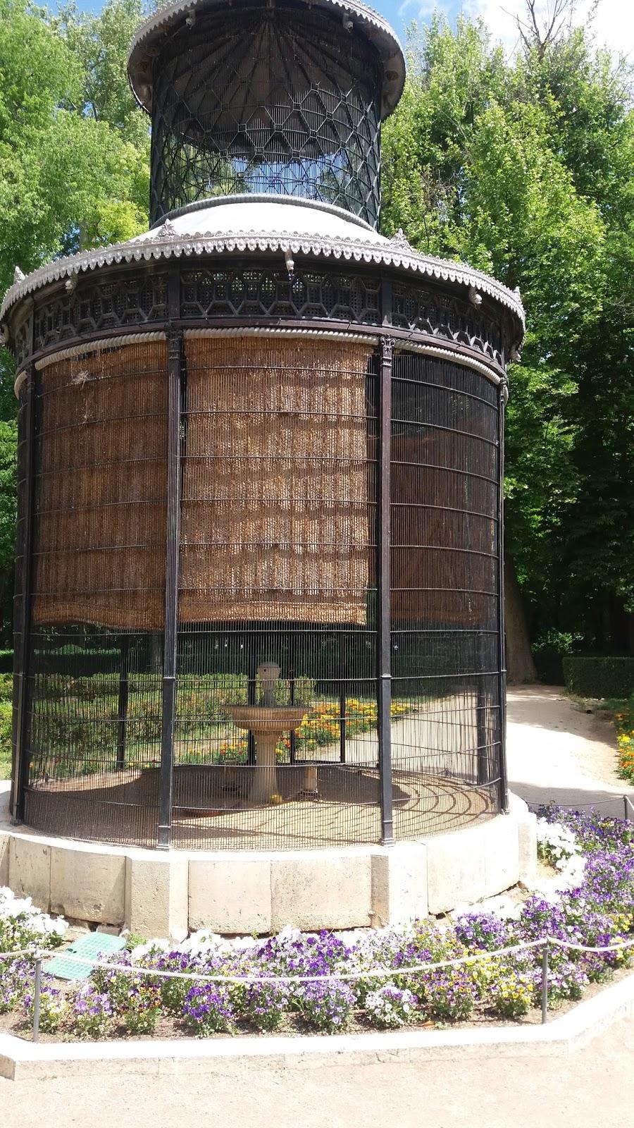 Madrid con encanto jard n de la isla en aranjuez for Pajarera jardin
