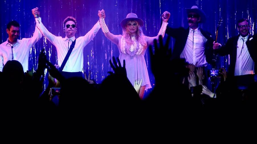 A estreia da Fuck The World Tour aconteceu nesse sábado (06) em Nova Jersey.