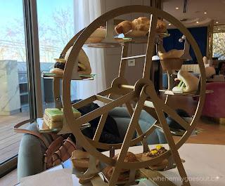 Ferris-wheel-tray-afternoon-tea