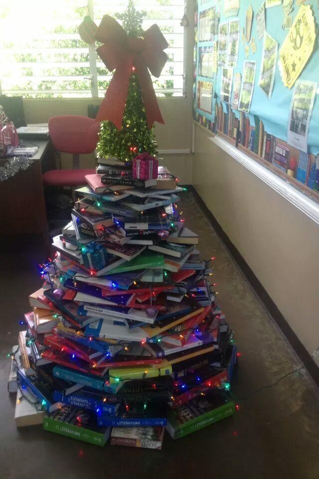Arboles de navidad hechos con materiales reciclados - Arbol de navidad hecho de luces ...