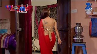 Sha Ajmani aka Garima AjmaniRed saree and Backless Choli Flower Tattoo 6 .xyz.jpg