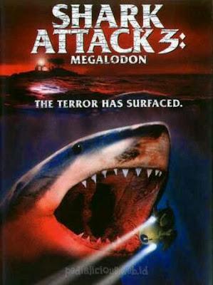Sinopsis film Shark Attack 3: Megalodon (2002)