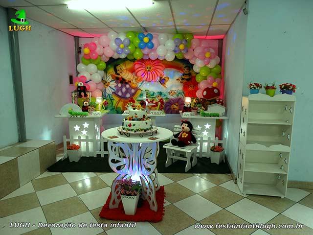 Decoração de mesa temática do bolo tema Jardim Encantado para festa de aniversário infantil - Jaqcarepaguá RJ
