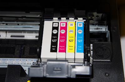 Egy Epson nyomtatóban található tintapatronok