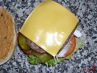 Añadiendo el queso