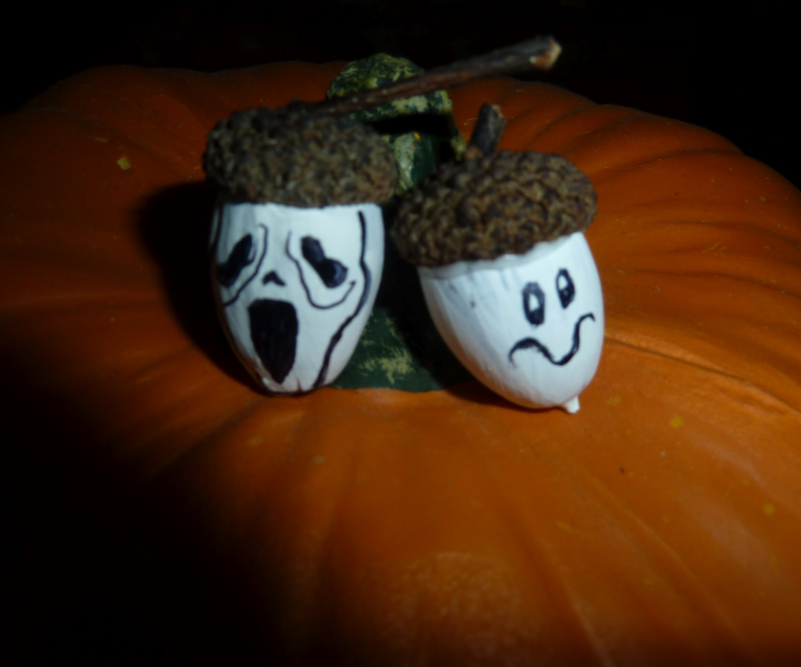 Make It Easy Crafts Little Acorn Ghosts