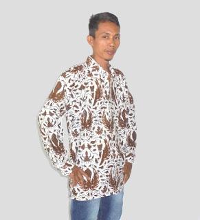 Kemeja batik pria lengan panjang putih