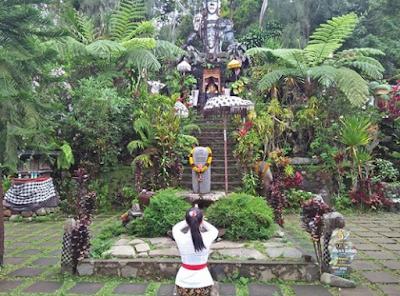 Mantra Puja Tri Sandya Lengkap Artinya Dalam Ajaran Agama Hindu