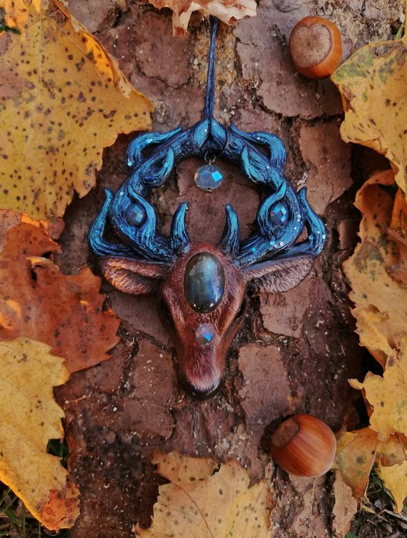 yunocrafts' polymer clay animal pendant deer