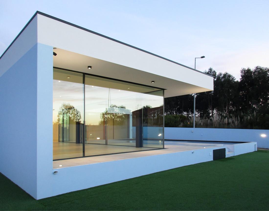 Arquitectos e engenheiros da utopia casa de luxo em gaia for Casa moderna l