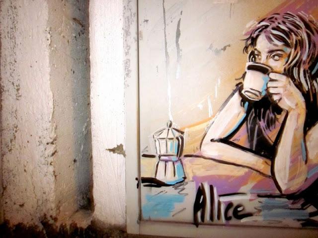 Рисунки на стенах. Alice Pasquini 36