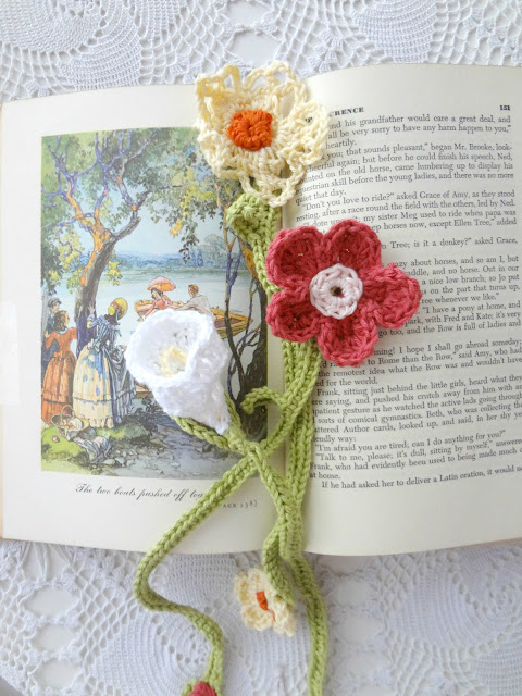 DIY Crochet Flower Bookmarks