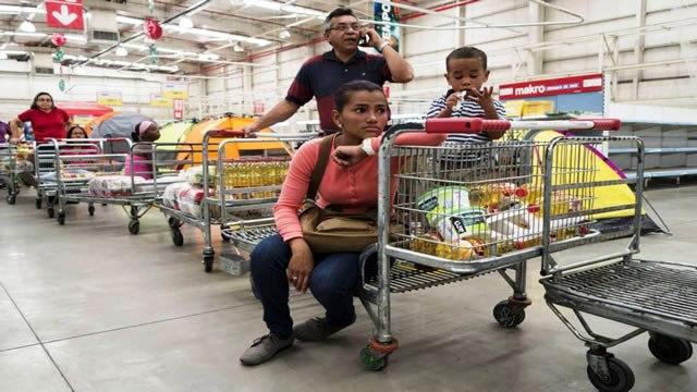 Las remesas, el salvavidas financiero de miles de familias venezolanas