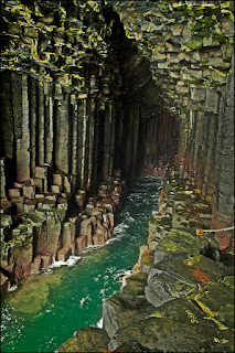 Fingal's Cave, Scotland photo credit: https://www.flickr.com/photos/dun_deagh/6143869489