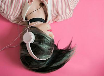 Dengar musik barat