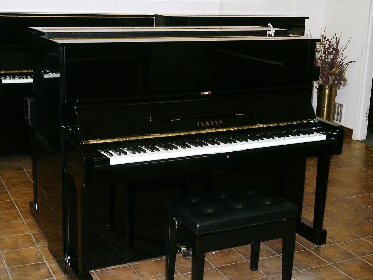 Used piano sale in toronto area yamaha u1m upright piano for Yamaha upright piano used
