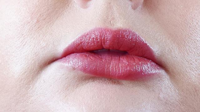 Burt's Bees Lipstick 501 Blush Basin Swatch