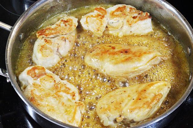 Καραμελωμένο Κοτόπουλο με Ανανά και Μάνγκο