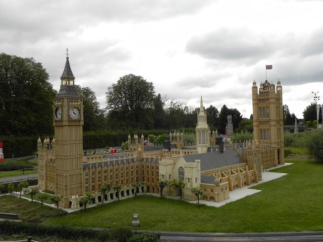 Big Ben e Parlamento inglês no Mini Europe - Bruxelas - Bélgica