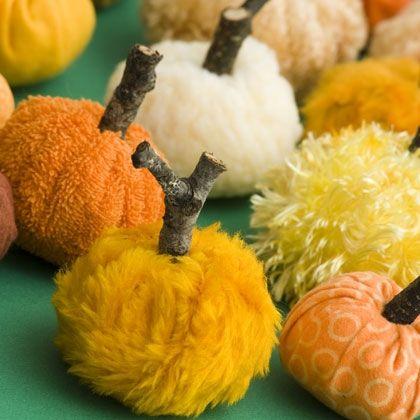 Красивые текстильные тыквы: мастер-классы и идеи, Hallows' Eve, All Saints' Eve, на Хэллоуин, тыквы, тыквы текстильные, тыквы из ткани, тыквы для интерьера, тыквы текстильные, тыквы на Хэллоуин, тыквы своими руками, своими руками, интерьерный декор, декор на Хэллоуин, мастер-классы, Хэллоуин, идеи текстильных тыкв, фотоидеи, праздничный декор, День Благодарения, Праздник урожая, украшение интерьера тыквами, Красивые текстильные тыквы: мастер-классы и идеи http://prazdnichnymir.ru/