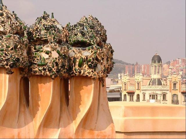 Barcellona gaudi 39 casa mila 39 la pedrera for Casa interni
