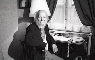 William Golding Il signore delle mosche Recensione no-spoiler Felice con un libro