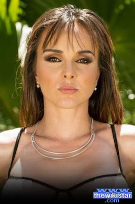 Cytherea life story, porn star and casual American fashion.